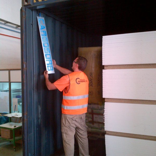 CARGOSORB Pole im Container